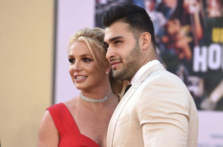 Britney Spears anuncia su compromiso con Sam Asghari