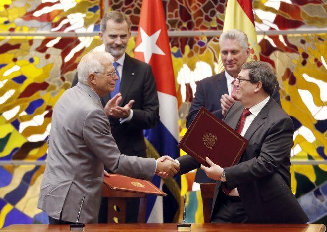 Reyes de España se reúnen en Cuba con Díaz-Canel y firman acuerdo de cooperación