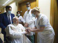 el papa sale del hospital, 10 dias despues de su operacion