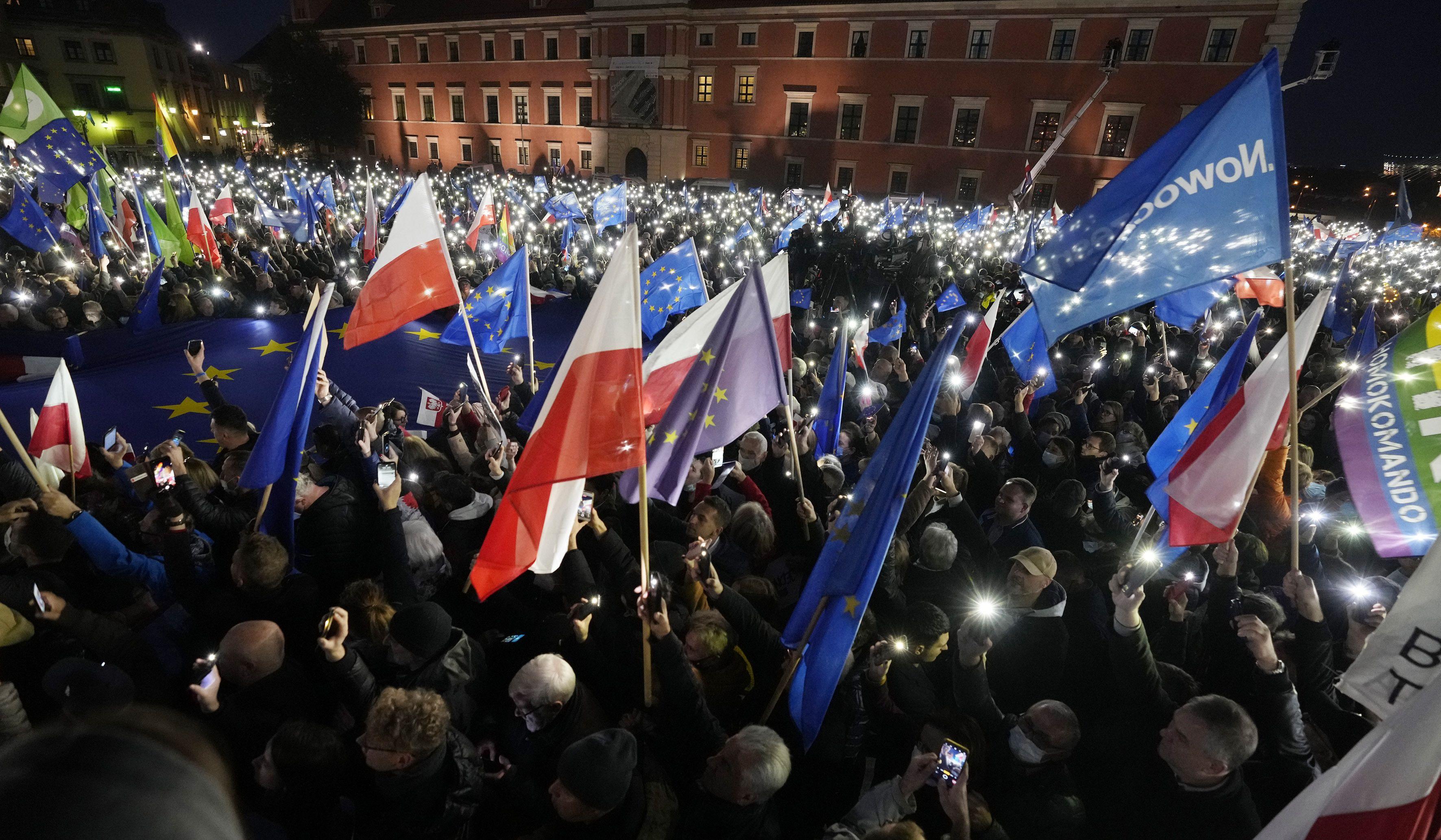 sobrino de primer ministro detenido en protesta en polonia