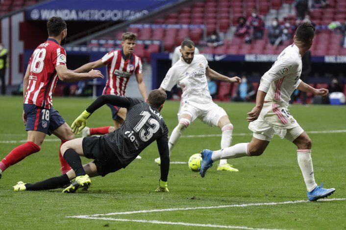 Atlético empata con Real Madrid, la Liga se aprieta