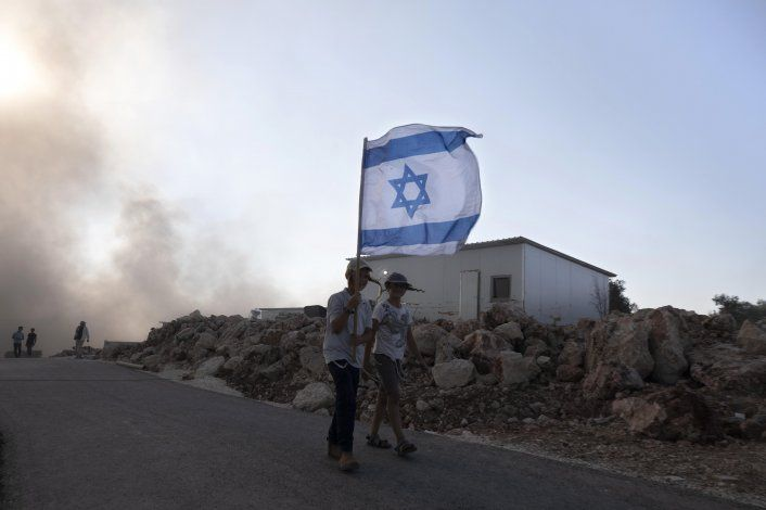 Israel: Nuevo gobierno aprueba construcción en asentamientos