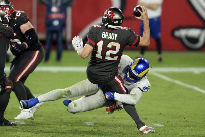 Goff lanza para 376 yardas y Rams ganan 27-24 a Buccaneers