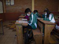 escuela apoya a estudiantes sin acceso a internet en bolivia