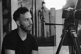 en un juicio sumario y sin defensa, el regimen cubano condeno a un ano de prision a anyelo troya, uno de los artistas detras de patria y vida