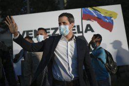 guaido advierte que maduro busca aniquilar la oposicion