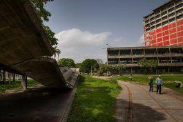 ciudad universitaria de caracas: patrimonio en ruinas