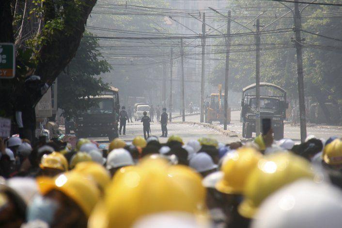 Myanmar: manifestantes vuelven a la calle, sigue represión