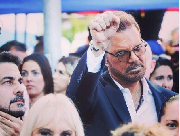 Miami: Willy Chirino se pronuncia frente al Freedom Tower