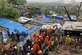 india: 20 muertos en deslaves provocados por el monzon