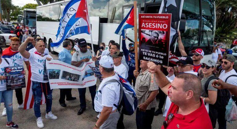 Organizaciones del exilio cubano piden a la administración Biden una intervención humanitaria a EEUU
