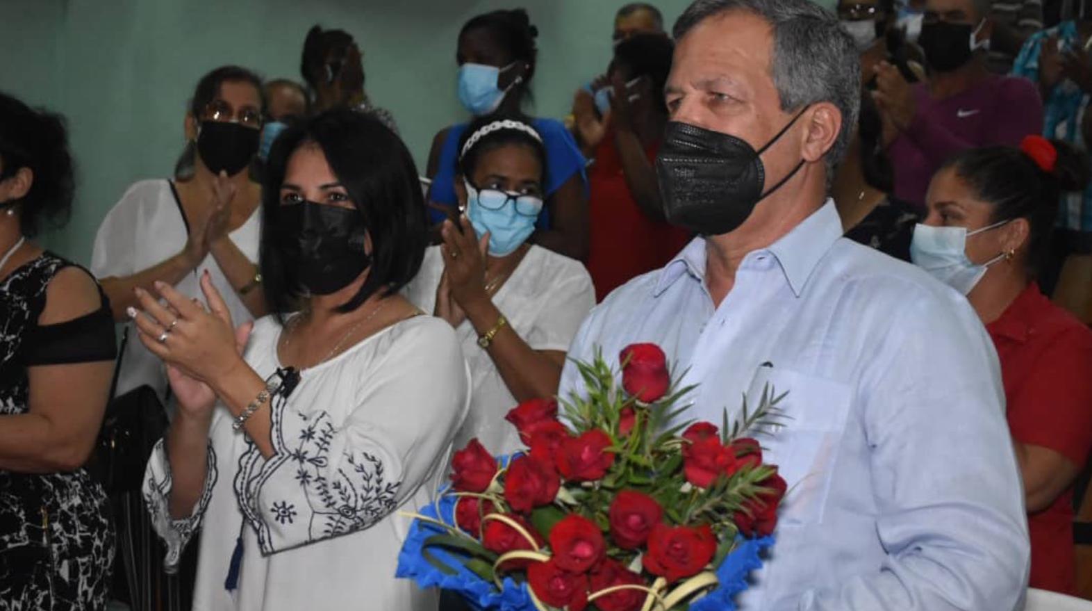 el general de division luis alberto lopez-callejas, electo en villa clara como diputado al parlamento cubano