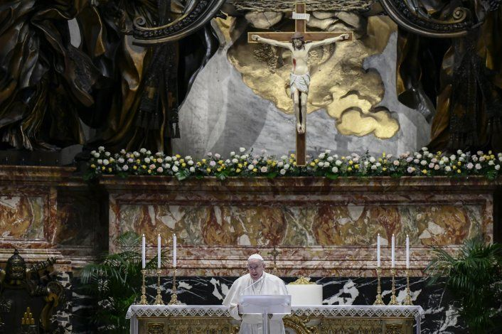 Papa elogia devoción de Felipe de Inglaterra por la familia