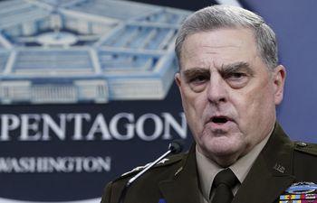 Máximo jefe militar de EEUU defiende sus llamadas a China