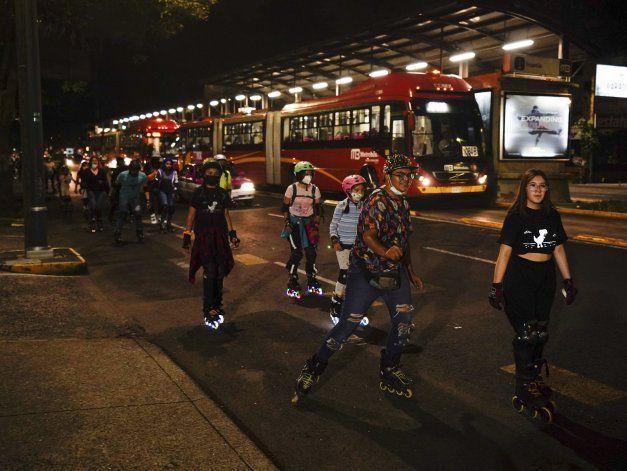 México: contagios entre jóvenes amenaza con generar estragos