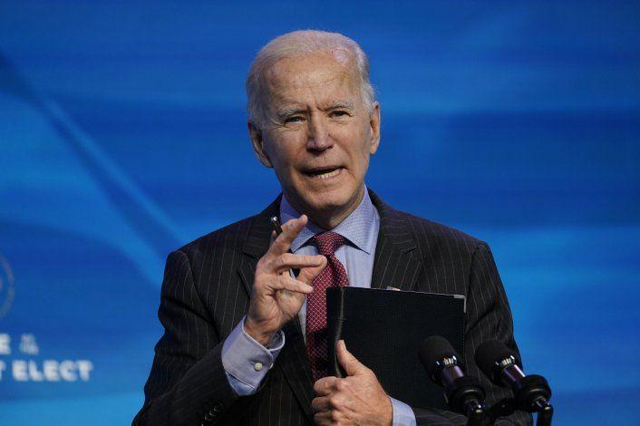 Plan Biden busca cortar ciclo de virus con máscaras, vacunas