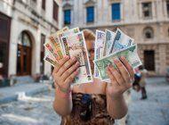 el regimen dio seis meses mas a los cubanos para cambiar sus cuc a 24 pesos, pero en determinados bancos