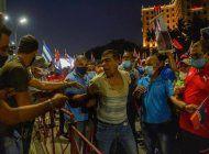 cubano le grita a diaz-canel ¡s*ngao! en su propio evento comunista