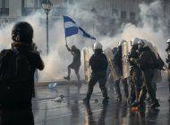 protestan en grecia contra vacunacion obligatoria por covid