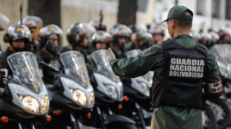 Militares venezolanos matan a cuatro colombianos fuertemente armados