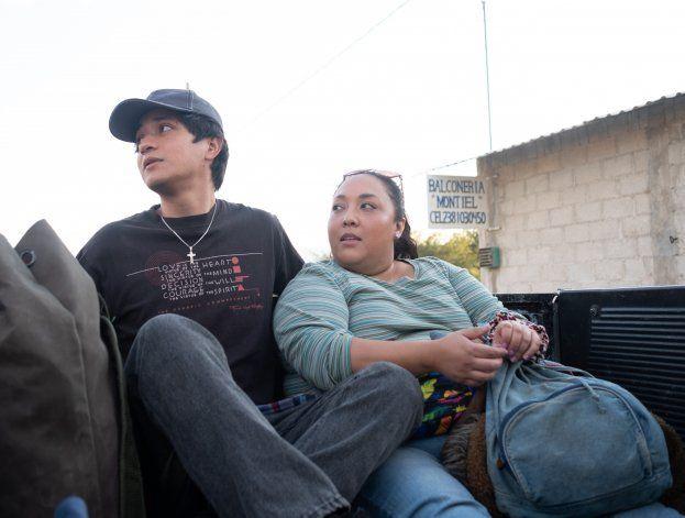 """Reseña: México, amor y pérdida en """"I Carry You with Me"""""""