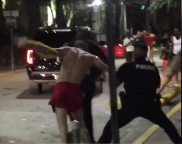 Violento arresto en Miami Beach