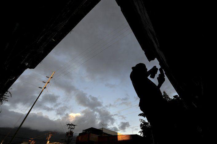 Artista callejero busca provocar emociones en Venezuela
