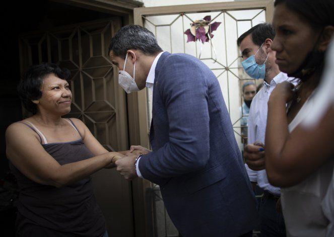 Conflicto político complica llegada de vacunas a Venezuela