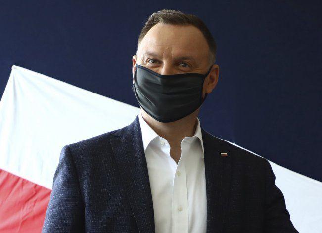 R. Checa bate nuevo récord: suma 15.000 contagios diarios