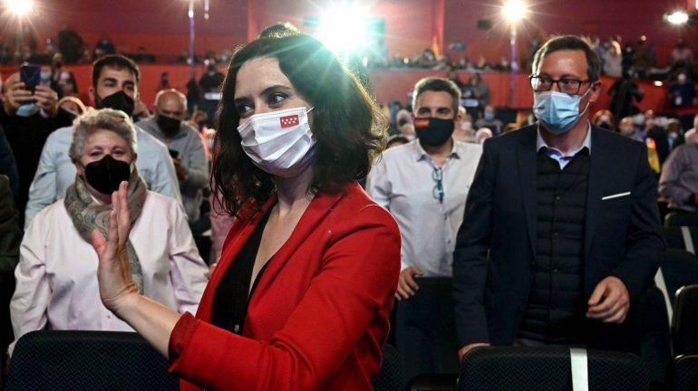 Elecciones en Madrid: Ayuso arrasa y supera al bloque de izquierda, con más del 40% escrutado