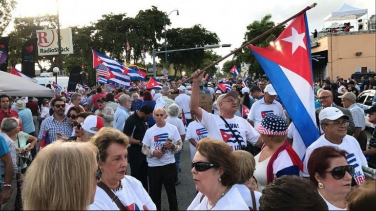 Encuesta de FIU revela que aumenta apoyo al embargo contra el régimen de La Habana
