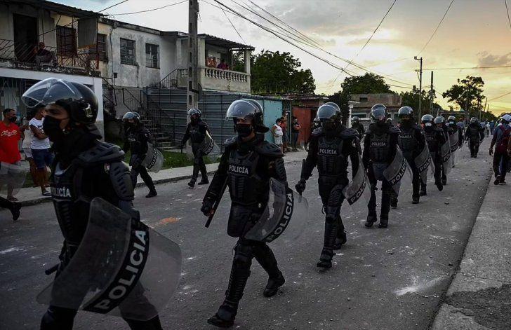 Régimen cubano confirma primera muerte durante las protestas en La Habana