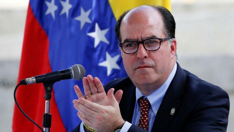 Julio Borges envió una carta a la OEA denunciando el mal trato de Trinidad y Tobago hacia los migrantes venezolanos