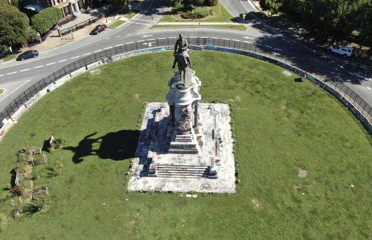 Retirarán la estatua del general Robert E. Lee en Richmond