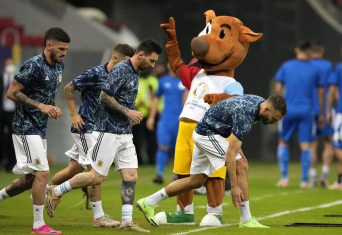 Argentina vence a Paraguay y se mete en cuartos de final