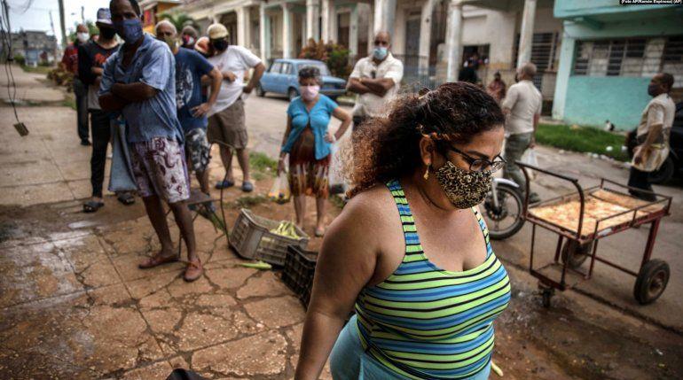 Cuba marca récord de casos activos y reporta 68 muertes