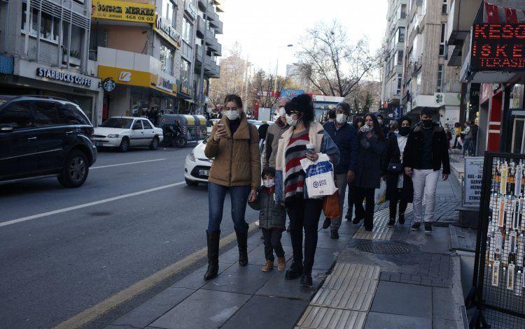 Turquía aprueba use de emergencia de vacuna de Sinovac
