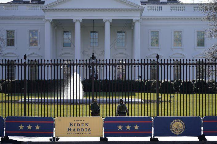 Trump podría indultar a su exjefe de estrategia Steve Bannon
