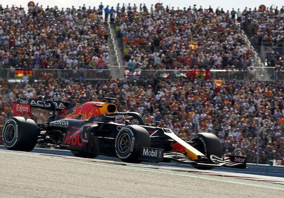 Verstappen gana en EEUU y se aleja de Hamilton