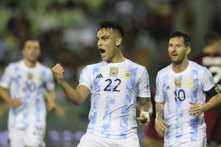 Argentina se florea al ganar de visita 3-1 a Venezuela