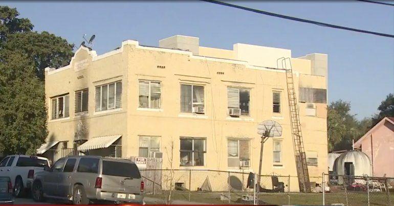 Funcionarios: incendio de apartamento en la Pequeña Habana pudo haber sido intencional