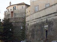 condenan a exjefe de banco vaticano y abogado por desfalco