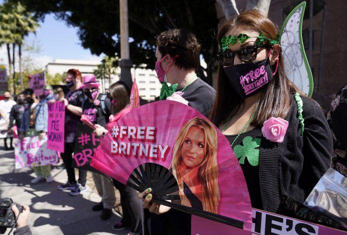 AP EXPLICA: Llamado de #FreeBritney y curaduría de la corte