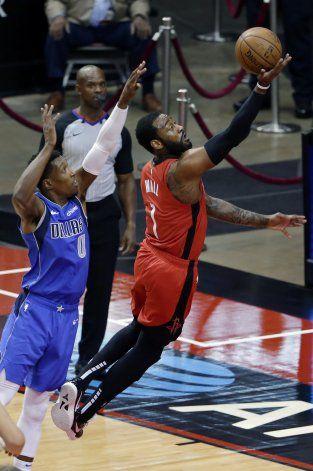 Rockets vencen a Mavs y cortan racha de cinco derrotas