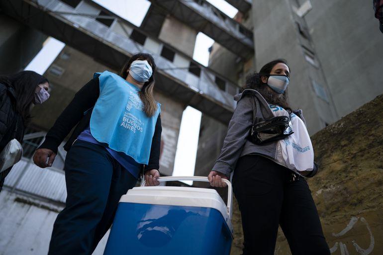 Tras arduas negociaciones, llegan vacunas Pfizer a Argentina