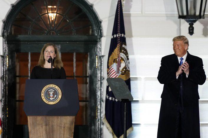 Barrett es confirmada como jueza de Corte Suprema de EEUU