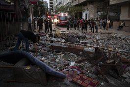 israel bombardea a hamas, 24 muertos en gaza