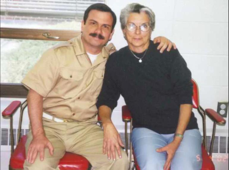 Muere la madre del exespía cubano Fernando González Llort