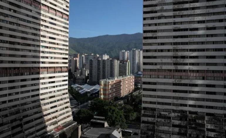 Venezuela: Un caraqueño debe pagar hasta dos veces su sueldo para independizarse y vivir solo