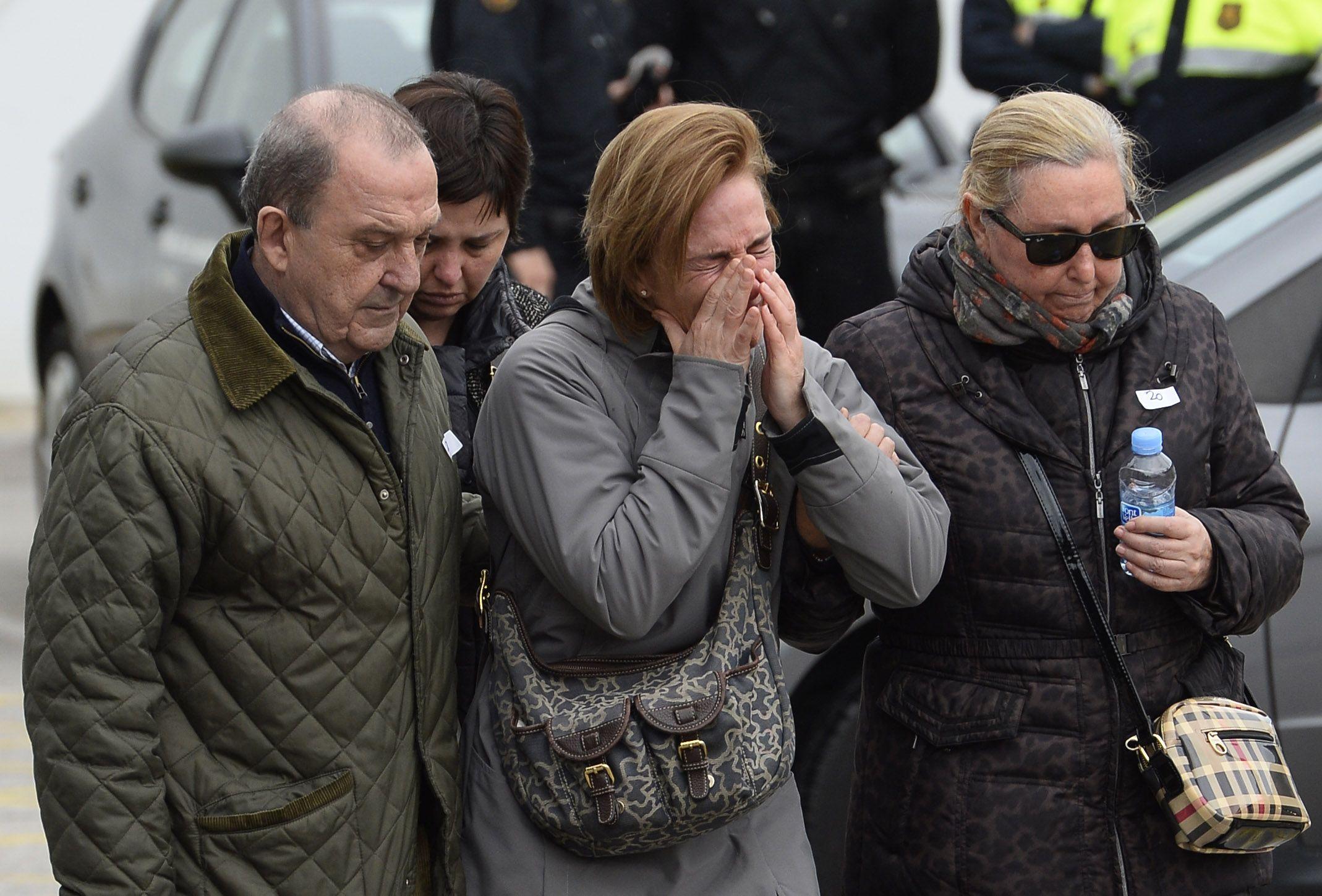 Reporte: Piloto iba afuera de cabina de avión de Germanwings